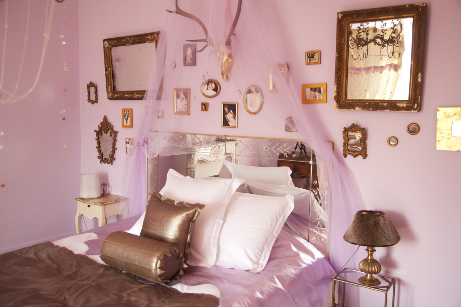 Chambre classique rose for Chambre rose